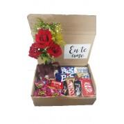 Caixa de Chocolate e Flores