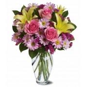 Buquê com flores do campo e rosas