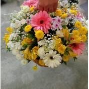 cesta mix de flores variadas