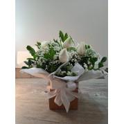 Buque na caixa com 6 rosas