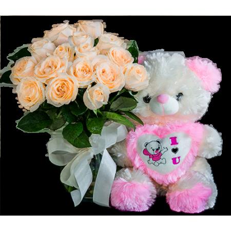 Lindo Buquê de rosas claras e ursinho de pelúcia
