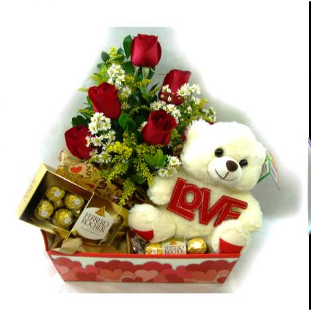 Bandeja com Flores, Ferrero Rocher e Urso de Pelucia