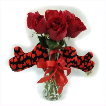 Buquê com 7 Rosas e Coração de Pelúcia