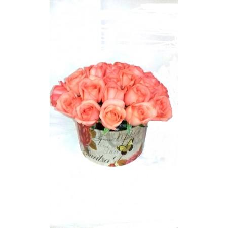 Arranjo pink de rosas em caixa decorada