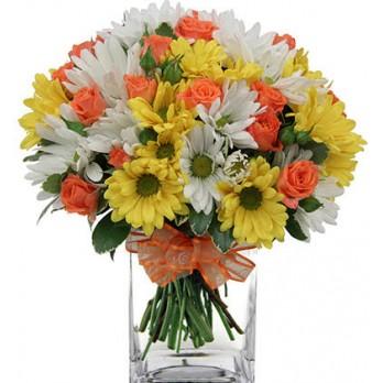 buquê misto com flores do campo e rosa laranja