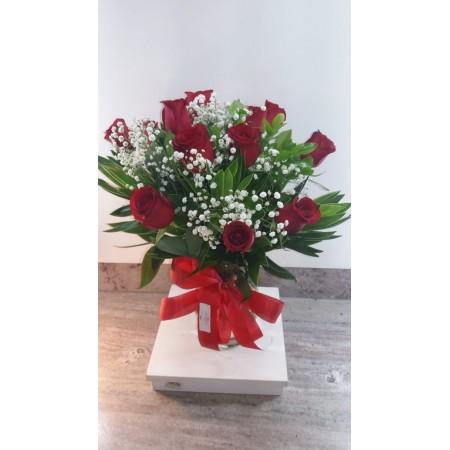 Buquê encanto de rosas vermelhas.